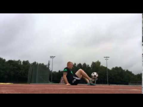 Dan Magness (UK) watch football Freestyler on sky sports